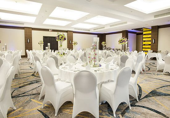 carara-ballroom-reception